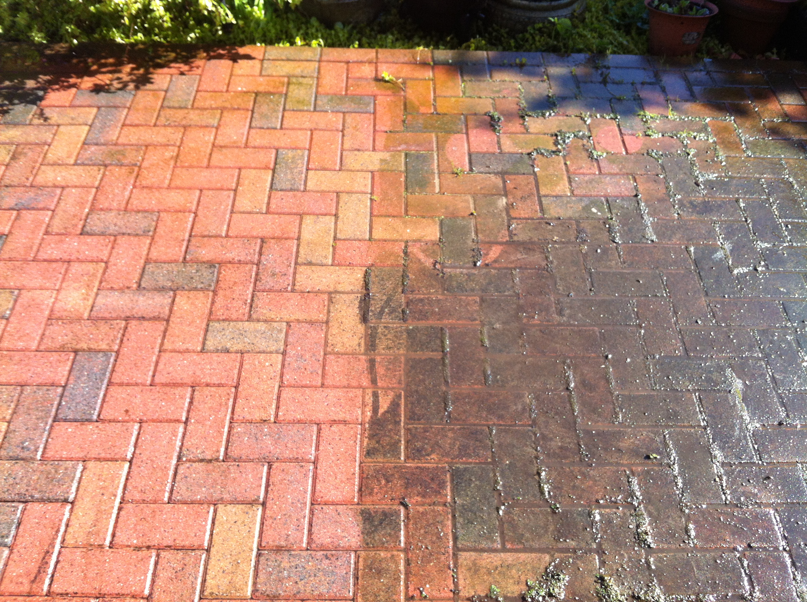 Driveway cleaning chislehurst kent for Best way to clean driveway